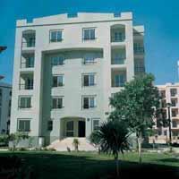 ب الرحاب شقة 70 م2 بحرى للايجار مفروش تطل على شارع رئيسى
